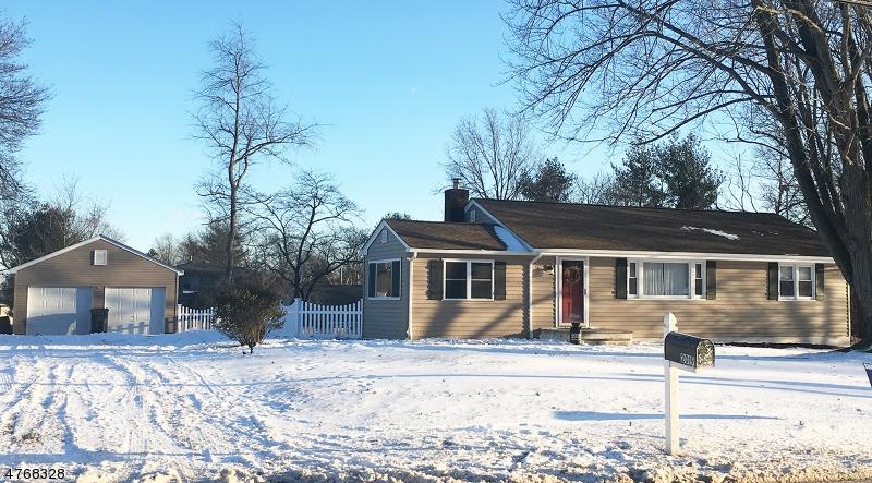 Nhà ở một gia đình vì Bán tại 2019 S Branch Road Branchburg, New Jersey 08876 Hoa Kỳ