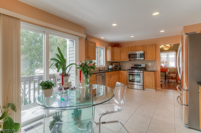 Maison unifamiliale pour l à louer à 11 Bayowski Road West Orange, New Jersey 07052 États-Unis