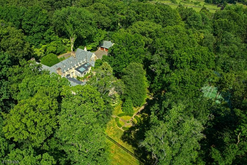独户住宅 为 销售 在 6 Kimball Circle 韦斯特菲尔德, 新泽西州 07090 美国