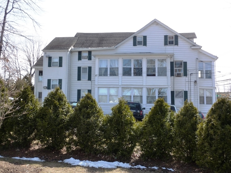 Single Family Home for Rent at 10 N Passaic Avenue Chatham, New Jersey 07928 United States