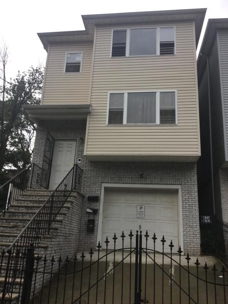 多戶家庭房屋 為 出售 在 33 Salem Street Newark, 新澤西州 07106 美國