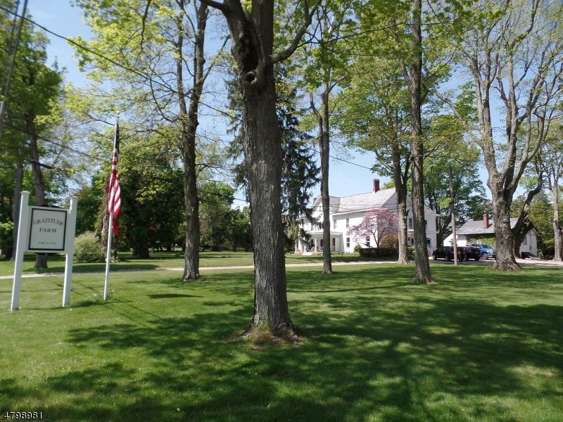 Maison unifamiliale pour l Vente à 636 State Route 94 Fredon, New Jersey 07860 États-Unis