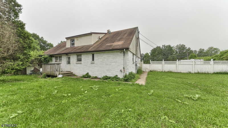Additional photo for property listing at 2764 State Rt 23  Hardyston, Нью-Джерси 07460 Соединенные Штаты