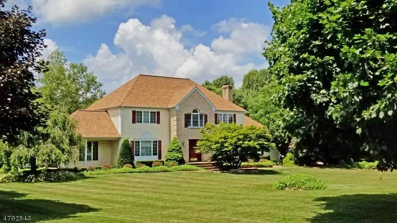 Property için Satış at 13 Saddlebrook Drive Washington, New Jersey 07882 Amerika Birleşik Devletleri