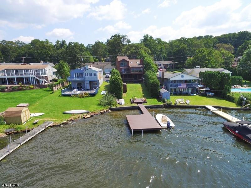 Villa per Vendita alle ore 41 RIPPLEWOOD Drive Jefferson Township, New Jersey 07849 Stati Uniti