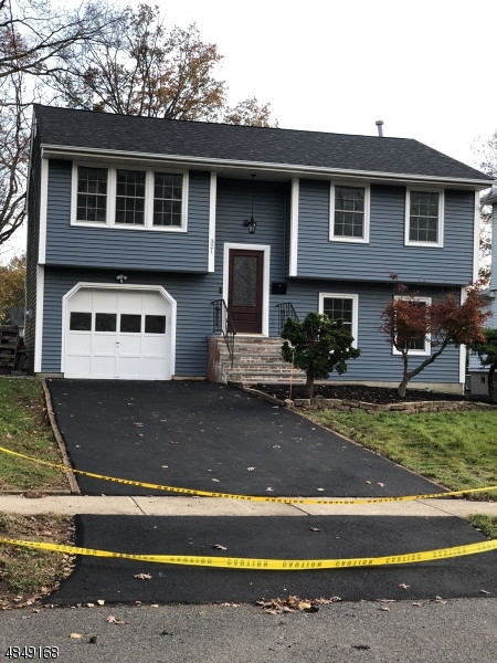 Single Family Home for Sale at 321 PENFIELD Place Dunellen, New Jersey 08812 United States