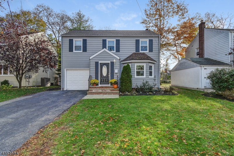 Single Family Home for Sale at 29 E LINCOLN Street Verona, New Jersey 07044 United States