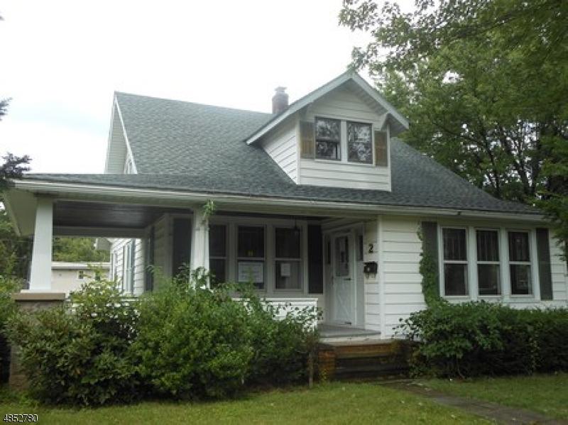 Nhà ở một gia đình vì Bán tại 2 CLOVER Place Mine Hill, New Jersey 07803 Hoa Kỳ