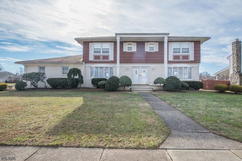 Property için Satış at 76 GLENROY Road Fairfield, New Jersey 07004 Amerika Birleşik Devletleri