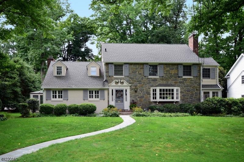 Casa Unifamiliar por un Venta en 117 MOUNTAINVIEW Drive Mountainside, Nueva Jersey 07092 Estados Unidos