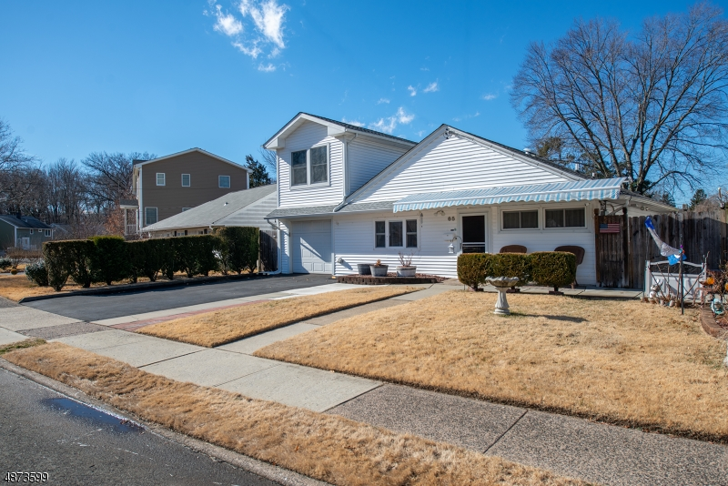 Single Family Home for Sale at 65 Howard Ave 65 Howard Ave Rochelle Park, New Jersey 07662 United States