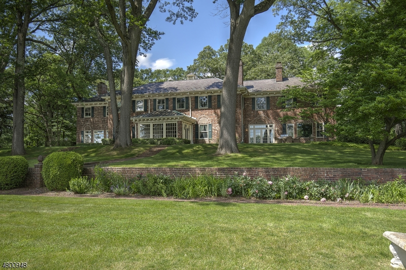 Single Family Home for Sale at 2 OAK FOREST LN 2 OAK FOREST LN Mendham Borough, New Jersey 07945 United States