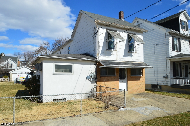 Single Family Home for Sale at 5 WILSON ST Phillipsburg, New Jersey 08865 United States