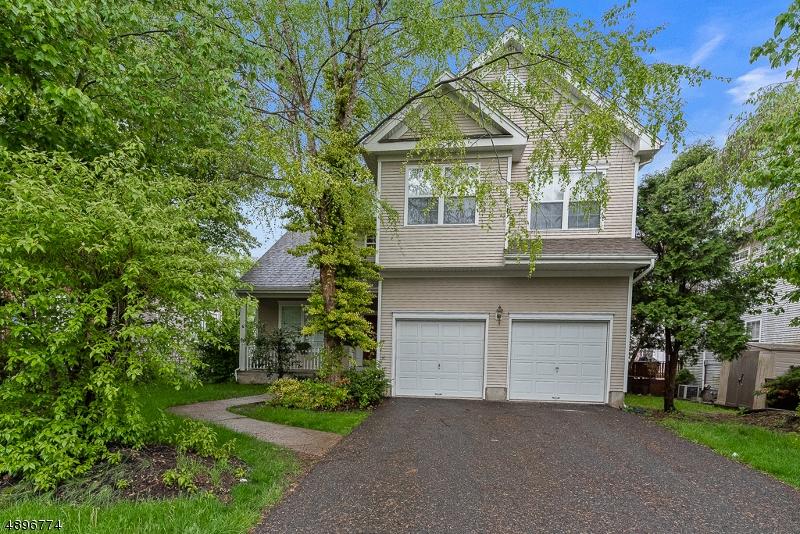 Casa para uma família para Venda às Hackettstown, Nova Jersey 07840 Estados Unidos