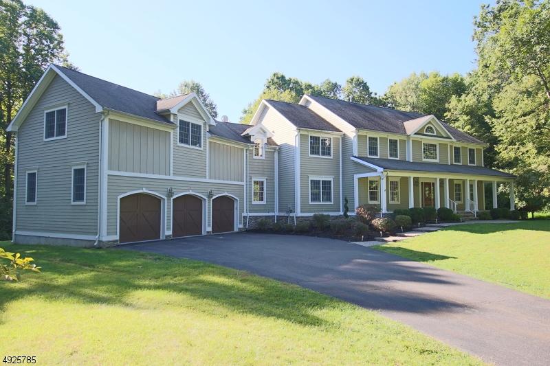 Single Family Homes للـ Sale في Lebanon, New Jersey 07830 United States