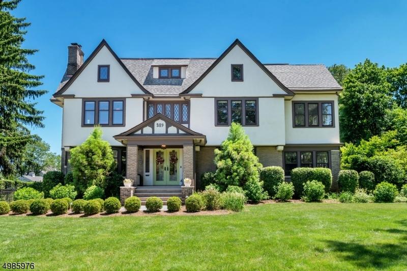 Single Family Homes para Venda às Glen Ridge, Nova Jersey 07028 Estados Unidos