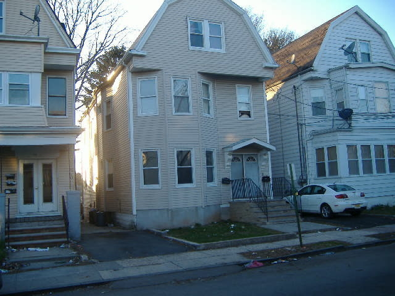 Additional photo for property listing at 29 Frederick Ter  Irvington, Нью-Джерси 07111 Соединенные Штаты