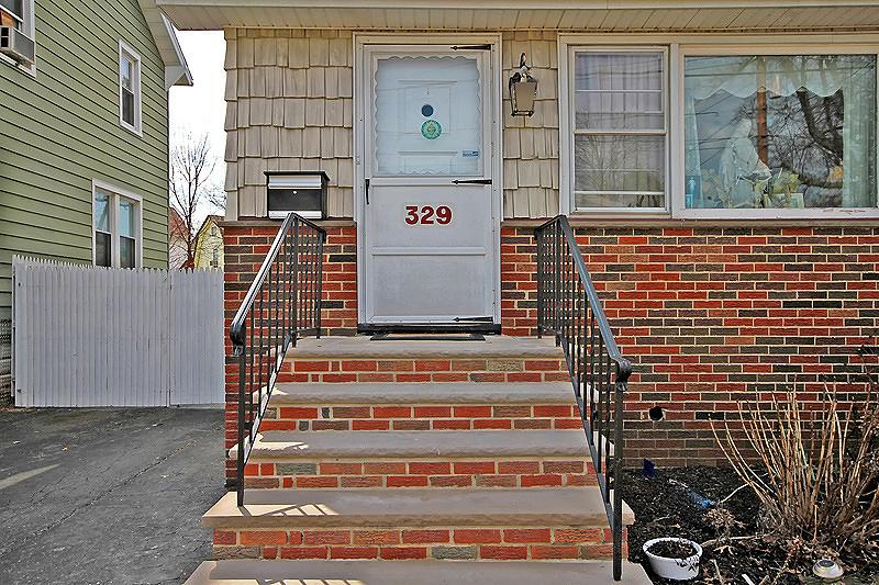 Additional photo for property listing at 329 N Streetiles Street  Linden, Нью-Джерси 07036 Соединенные Штаты