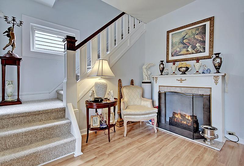 Частный односемейный дом для того Продажа на 329 N Streetiles Street Linden, Нью-Джерси 07036 Соединенные Штаты