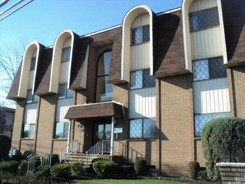 Maison unifamiliale pour l Vente à 1150-1190 West Street Linden, New Jersey 07036 États-Unis