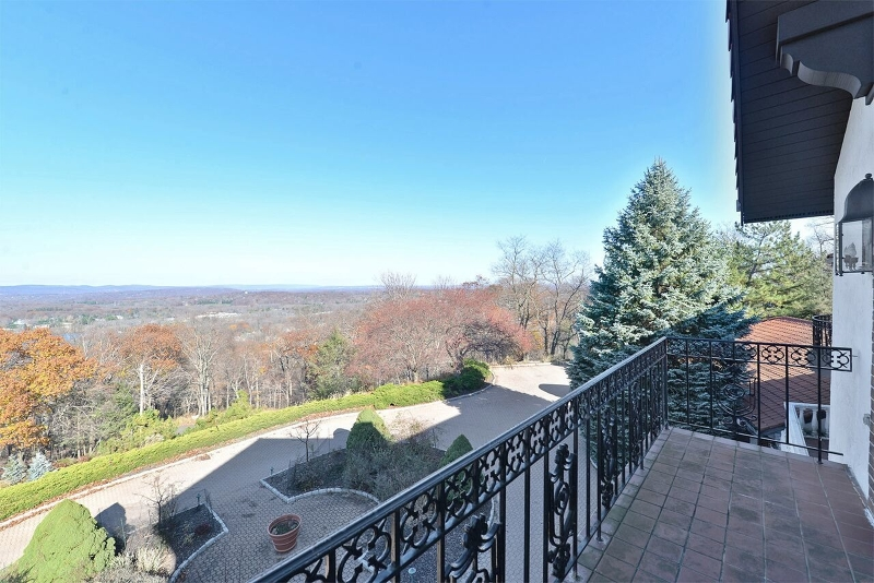 Additional photo for property listing at 912 Cherokee Lane  Franklin Lakes, New Jersey 07417 États-Unis