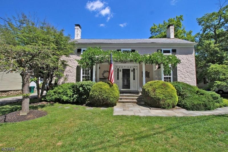 Casa Unifamiliar por un Venta en 303 MAIN ST-MOUNTAINVILLE Lebanon, Nueva Jersey 08833 Estados Unidos