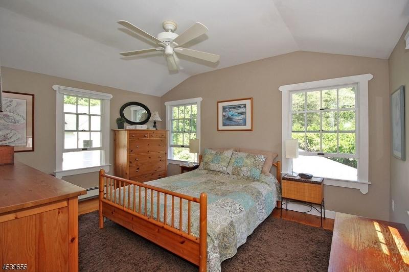 Additional photo for property listing at 303 MAIN ST-MOUNTAINVILLE  Lebanon, Nueva Jersey 08833 Estados Unidos