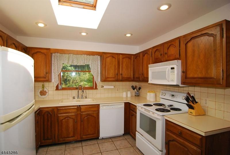 Additional photo for property listing at 56 KASPER Road  Hackettstown, Нью-Джерси 07840 Соединенные Штаты