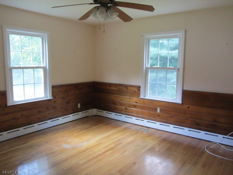 Additional photo for property listing at 2336 Amwell Road  Somerset, New Jersey 08873 États-Unis