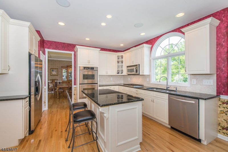 Additional photo for property listing at 18 Saint Andrews Court  Flanders, Nueva Jersey 07836 Estados Unidos