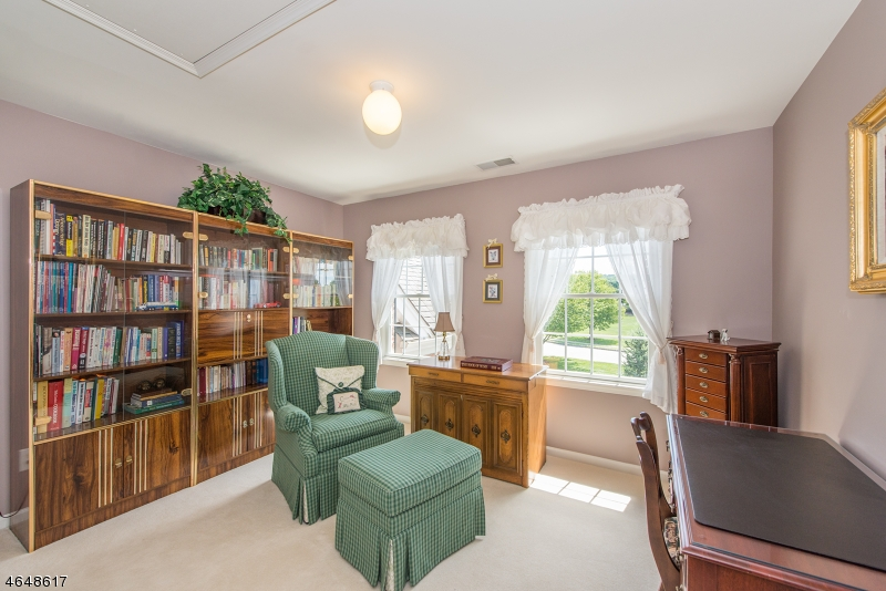 Additional photo for property listing at 18 Saint Andrews Court  Flanders, Нью-Джерси 07836 Соединенные Штаты