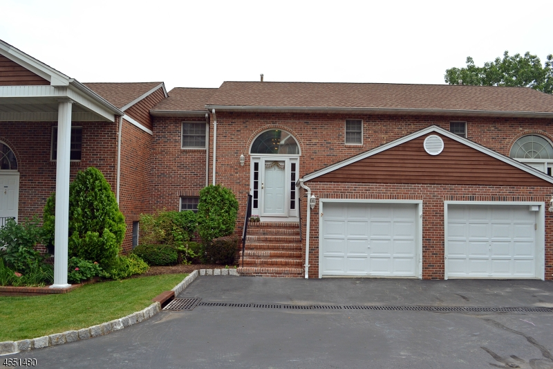 Additional photo for property listing at 3 BEACON HILL COMMONS  Pompton Lakes, Нью-Джерси 07442 Соединенные Штаты
