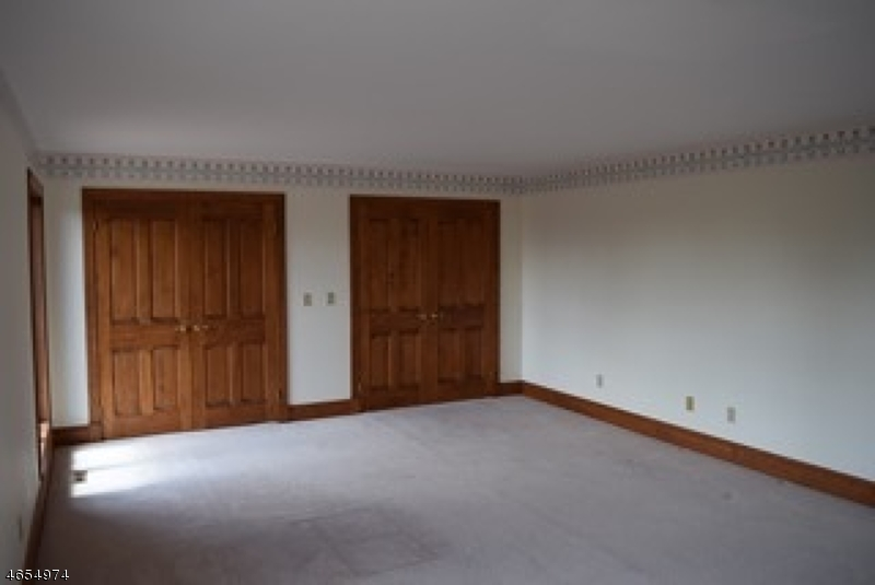 Additional photo for property listing at 44 Fox Hill Road  Lafayette, New Jersey 07848 États-Unis