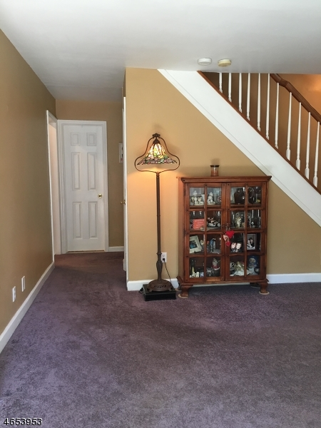 Additional photo for property listing at 32 Whipporwill Road  Budd Lake, New Jersey 07828 États-Unis