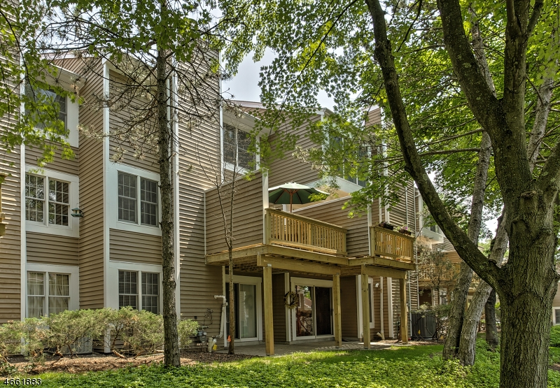 Additional photo for property listing at 21 Eton Court  Bedminster, New Jersey 07921 États-Unis