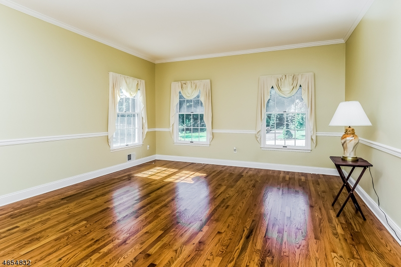 Additional photo for property listing at 6 Cobblestone Lane  Annandale, New Jersey 08801 États-Unis