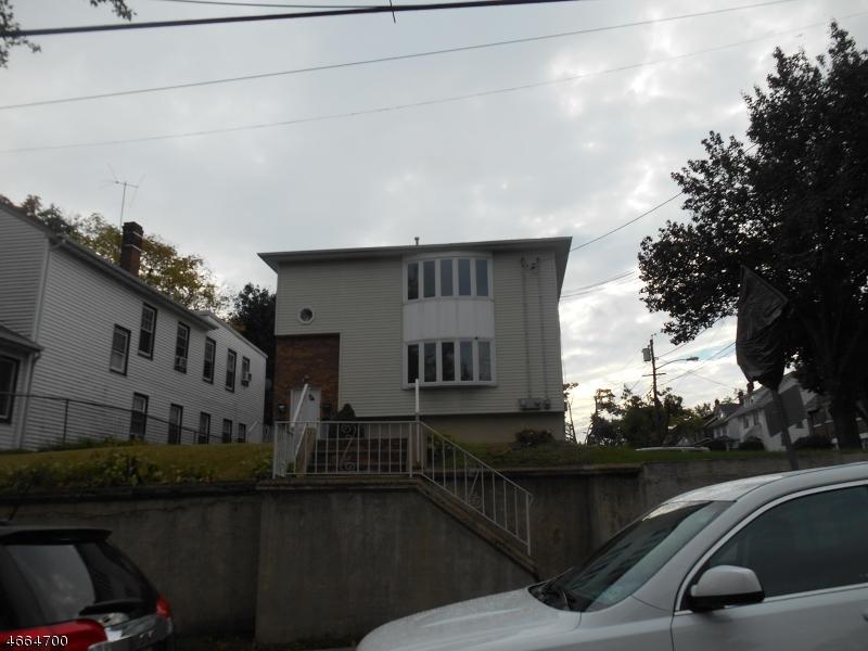 Частный односемейный дом для того Аренда на 826-828 LYONS Avenue Irvington, Нью-Джерси 07111 Соединенные Штаты