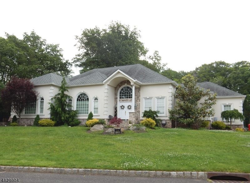 Single Family Home for Sale at 295 LAUREL LANE Clark, New Jersey 07066 United States