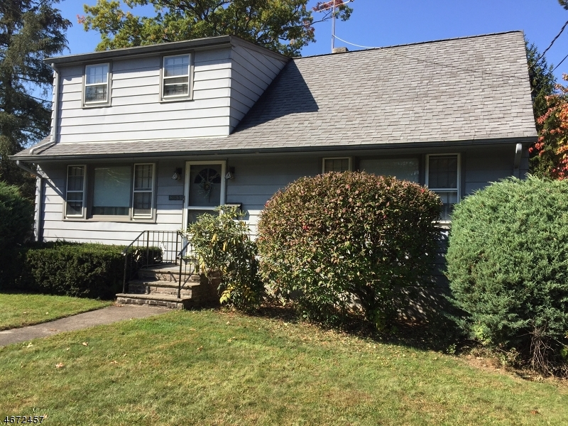 Single Family Home for Sale at 355 Prospect Street Midland Park, New Jersey 07432 United States