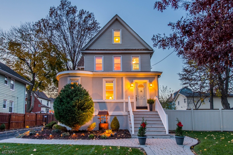 Single Family Home for Sale at 234 Teaneck Road Ridgefield Park, New Jersey 07660 United States
