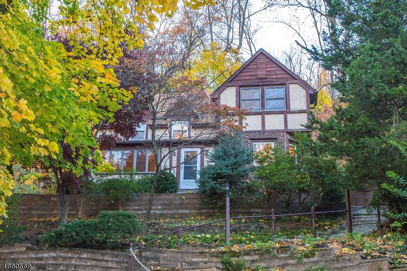 Частный односемейный дом для того Продажа на 139 Sagamore Road Millburn, 07041 Соединенные Штаты