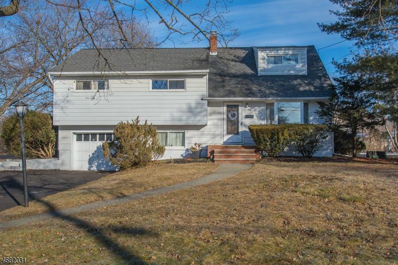 Частный односемейный дом для того Продажа на 16 Slingerland Avenue Pequannock, Нью-Джерси 07440 Соединенные Штаты