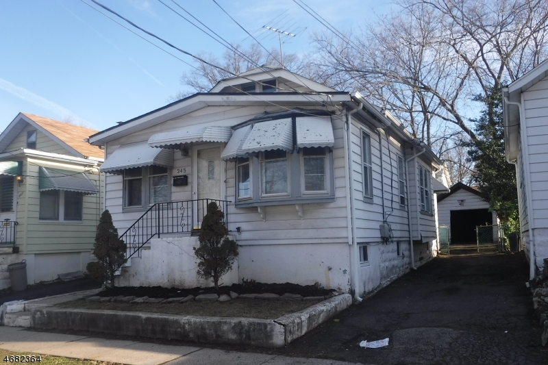 Single Family Home for Sale at 345 Streetiles Street Vauxhall, New Jersey 07088 United States