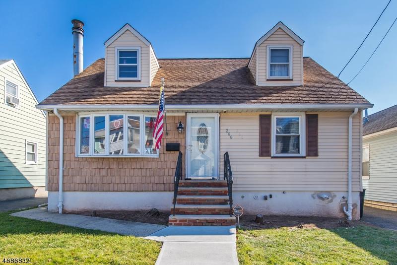 独户住宅 为 销售 在 266 Ivy Street Kearny, 07032 美国