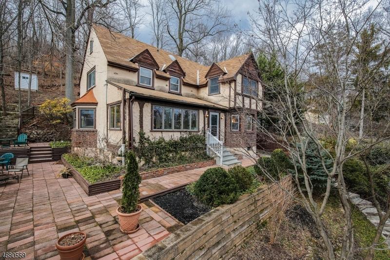 独户住宅 为 销售 在 139 Sagamore Road 米尔本, 新泽西州 07041 美国