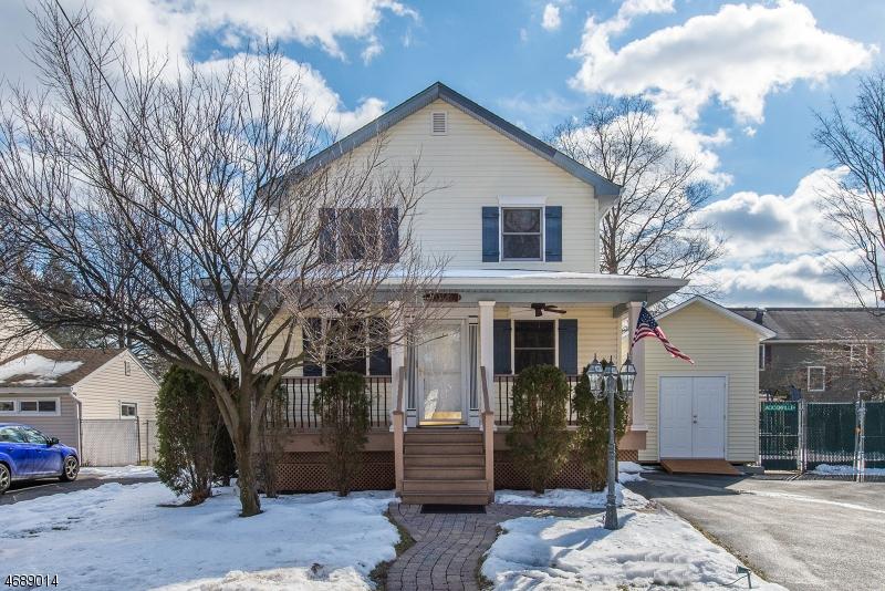 Maison unifamiliale pour l Vente à 27 Jacksonville Road Pequannock, New Jersey 07440 États-Unis