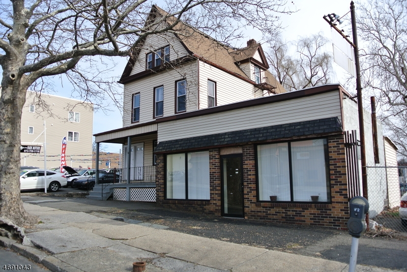 Additional photo for property listing at 30 Washington Avenue 30 Washington Avenue Belleville, New Jersey 07109 Vereinigte Staaten