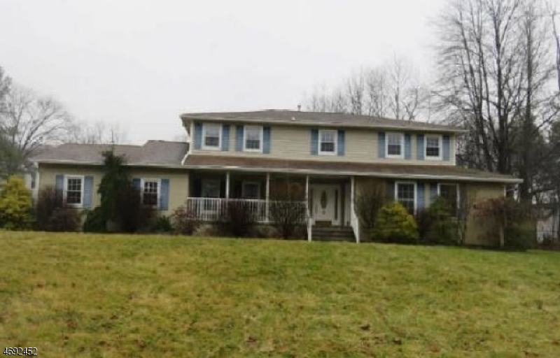 Single Family Home for Sale at 10 Selmar Ter East Hanover, 07936 United States