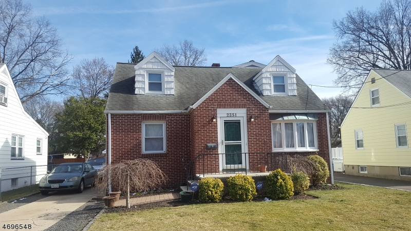 Additional photo for property listing at 2251 Winfield Street 2251 Winfield Street Rahway, New Jersey 07065 Verenigde Staten