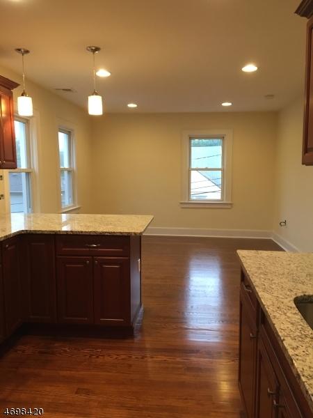 Частный односемейный дом для того Аренда на 14 Clinton Street Belleville, Нью-Джерси 07109 Соединенные Штаты
